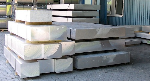 Horizontal casted plates
