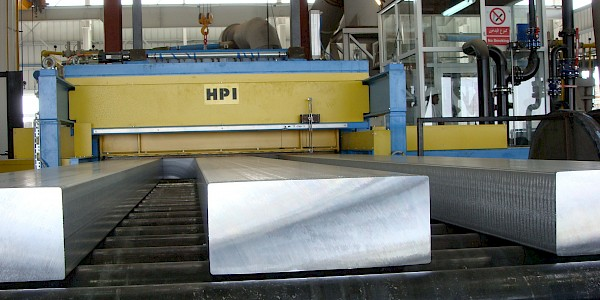 Horizontal casting for plates